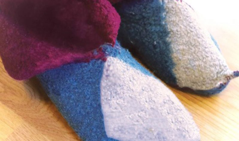 Irene de Jong: Knit your own Felted Slippers