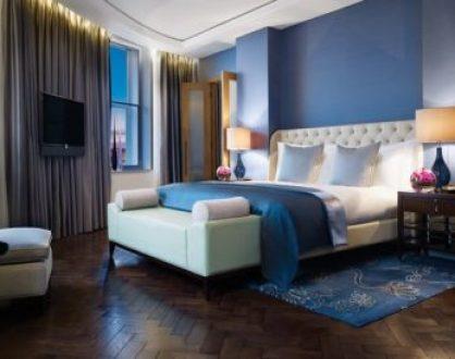 blue-hotel-room-38k52ootl2c3dxhz6r17nu